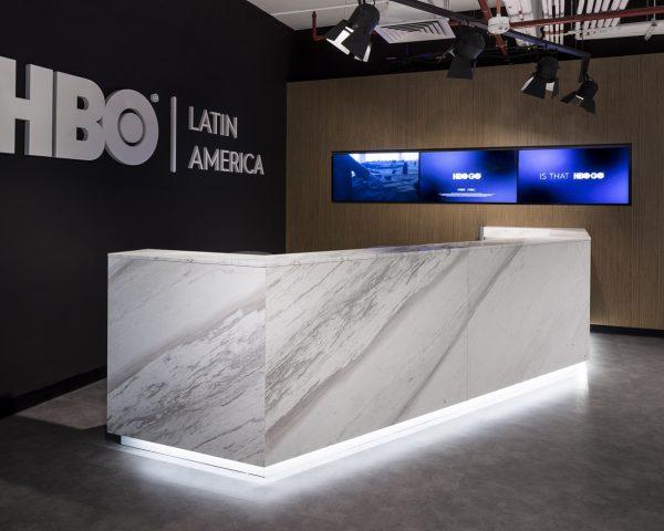 Iluminación_Oficinas_HBO_Latam_01